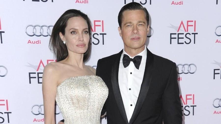 Angelina Jolie dan Brad Pitt Dapatkan Status Lajang