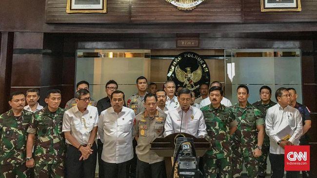 Wiranto mengatakan ada pihak yang membangun isu bahwa 70 persen TNI dapat dipengaruhi untuk berpihak pada langkah inkonstitusional.