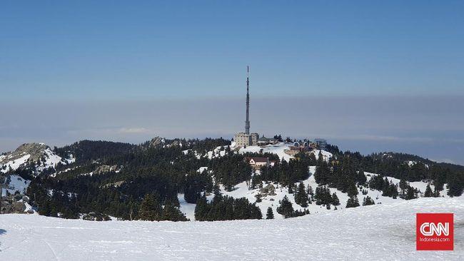 Turki bukan cuma Selat Bosphorus, karena negara ini juga punya salju abadi di Pegunungan Uludag.