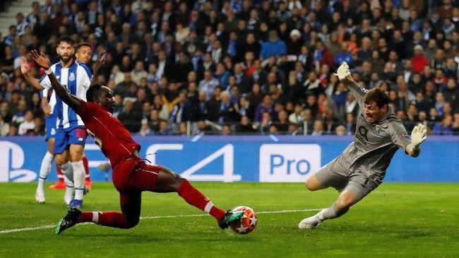 Penyerang sayap Liverpool, Sadio Mane, kini sejajar dengan legenda hidup Barcelona, Samuel Eto'o, di Liga Champions.
