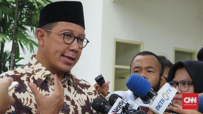 Menteri Agama Lukman Hakim Saifuddin menyatakan sudah lapor KPK soal pemberian duit Rp10 juta kepada dirinya. Lukman juga mengaku menyerahkan uang itu ke KPK.