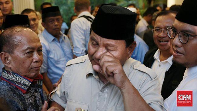 Saat menjenguk korban aksi 22 Mei, Prabowo berpesan untuk pendukungnya yang menyampaikan aspirasi agar tetap sabar dan menghindari kekerasan.