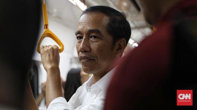 Jokowi hari ini mengunjungi lokasi yang bakal dijadikan ibu kota di Kaltim. Sementara besok giliran Palangkaraya, Kalteng yang akan disambangi Jokowi.