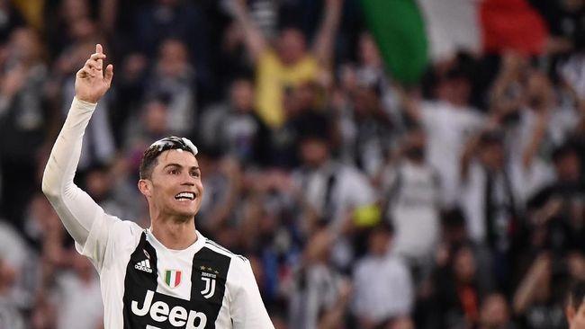 Sarri Tempatkan Ronaldo di Sayap Kiri Juventus