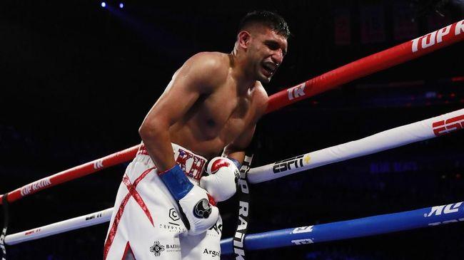 Petinju Amir Khan telah mengkonfirmasi kabar pertarungannya melawan Manny Pacquiao yang akan digelar 8 November mendatang di Riyadh, Arab Saudi.