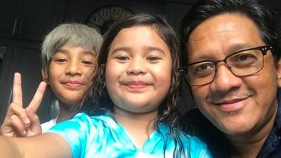 7 Potret Keseruan Andre Taulany Bersama Anak dan Istri