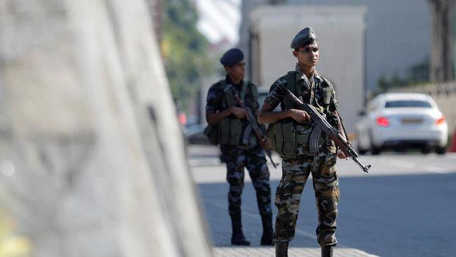 Hotel di Sri Lanka yang menjadi target bom pada Hari Paskah lalu kembali dibuka. Namun, jumlah aparat keamanan lebih banyak ketimbang tamu yang menginap.