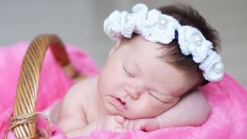 25 Nama Bayi Perempuan Islami Bermakna Suci