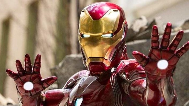Iron Man 3. Meski sempat mendapat kritikan pedas, tampaknya hal itu tak berpengaruh banyak bagi pendapatan Iron Man 3. Terbukti film yang rilis pada 2013 lalu ini meraup hingga Rp17,1 triliun.