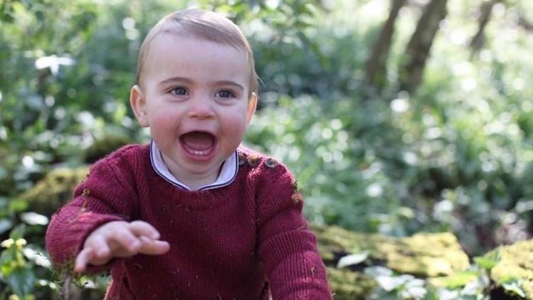 Ulang tahun pertama Pangeran Louis, Istana Inggris rilis tiga foto resminya. Imut banget!