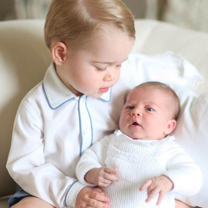 Kate Middleton ternyata punya hobi fotografi lho, Bunda. Salah satu objek yang ia paling sering foto adalah anak-anaknya sendiri.