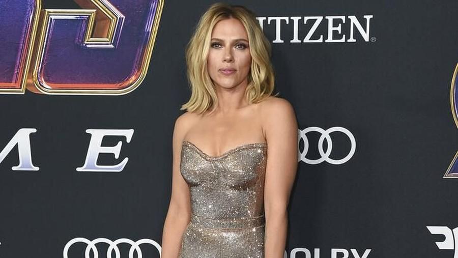 Pakai Infinity Stone, Scarlett Johansson & Brie Larson Curi Perhatian