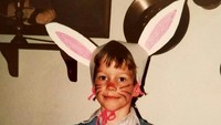 Kalau sudah bergaya seperti kelinci begini, pasti harus diabadikan ya. Imut! (Foto: Instagram @prattprattpratt)