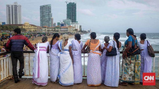 Industri pariwisata Sri Lanka merugi hingga US$4,4 miliar akibat pembatalan pelancong setelah kejadian pemboman yang menewaskan lebih dari 250 orang.