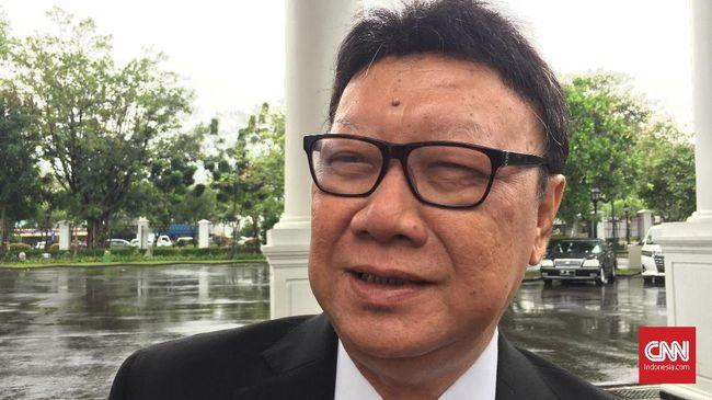 Tjahjo Kumolo menyebut segala hal terkait Papua dan Papua Barat akan disampaikan satu pintu lewat Menko Polhukam Wiranto sehingga semua menteri dilarang bicara.