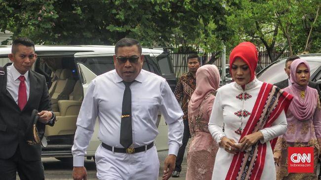 Presiden Joko Widodo bakal melantik Gubernur dan Wagub Maluku terpilih, Murad Ismail dan Barnabas Orno bakal dilantik siang ini di Istana Negara.
