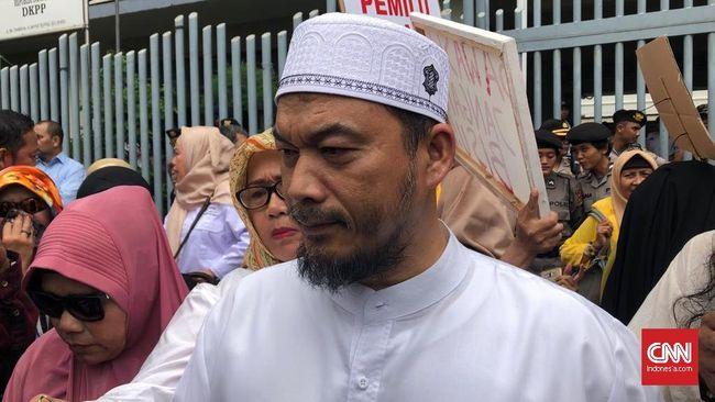Ketua Umum Garda 212 Ansufri Idrus Sambo mengatakan pihaknya tidak bisa berkata apapun usai Jokowi dan Prabowo Subianto bertemu.