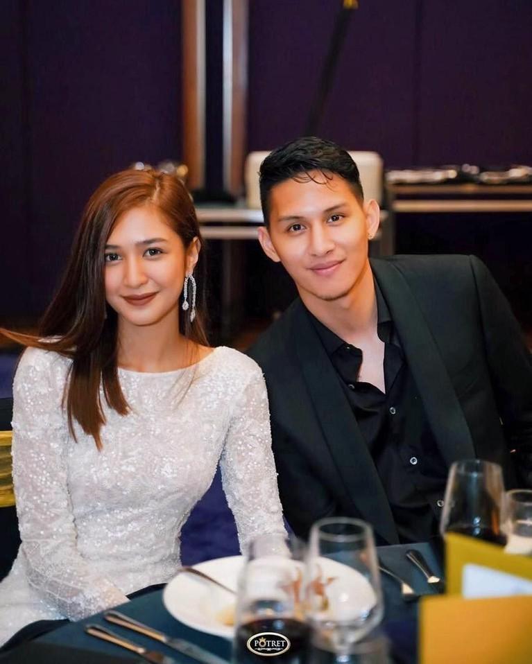 Kekompakan keduanya dianggap sangat serasi, bahkan banyak dari netizen yang mendoakan agar keduanya cepat menikah.