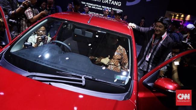 Indonesia International Motor Show (IIMS) 2019 yang diramaikan mobil dan motor baru menarik untuk dikunjungi.