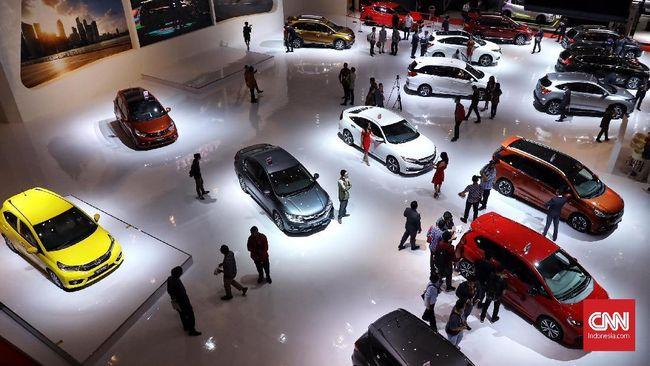 Jumlah transaksi IIMS 2019 merupakan akumulasi dari total unit kendaraan yang terjual sebanyak 15.928 unit, terdiri dari 13.288 unit mobil dan 2.640 unit motor.
