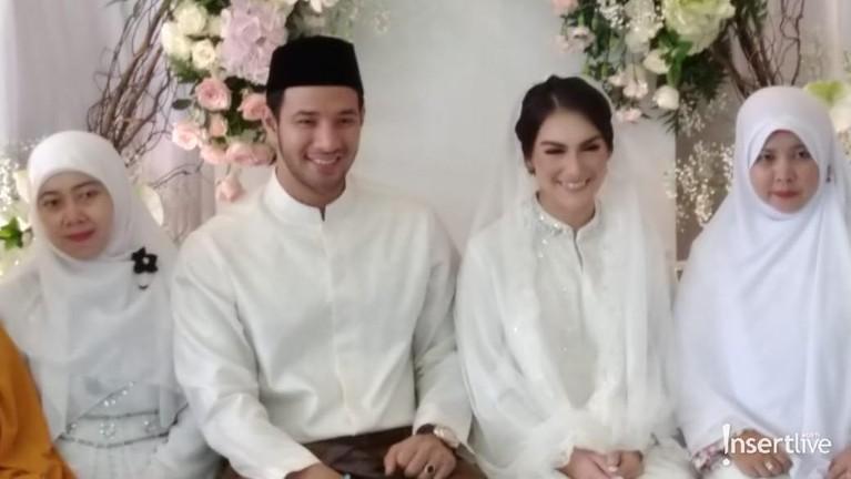 Irish Bella dan Ammar Zoni hari ini menggelar acara pengajian jelang pernikahan dengan mengundah keluarga dan kerabat dekat.