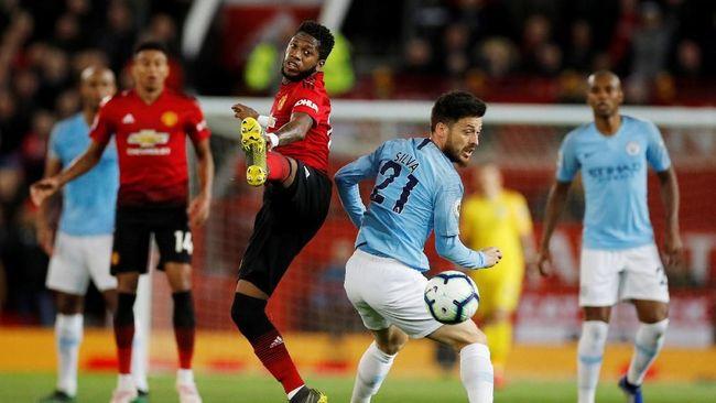Mantan kapten Manchester United Roy Keane menuduh Fred sengaja membiarkan Manchester City mencetak gol kedua saat pertandingan Liga Inggris.
