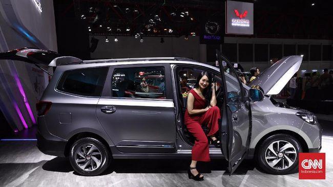 DFSK dan Wuling saling berebut konsumen di pameran otomotif IIMS 2019 yang digelar selama 11 hari di JIExpo Kemayoran, Jakarta.