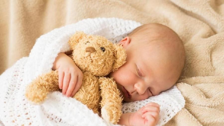 15 Inspirasi Nama Bayi Bermakna Suka Menolong