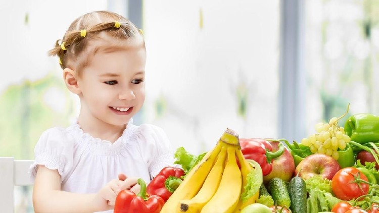 Trik Simpel agar Anak Suka Makan Sayur & Buah Sejak Kecil