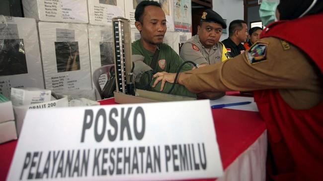 Seratus lebih petugas meninggal saat bertugas di Pemilu 2019. Ratusan lainnya sakit diduga keletihan karena proses panjang pemungutan dan perhitungan suara.