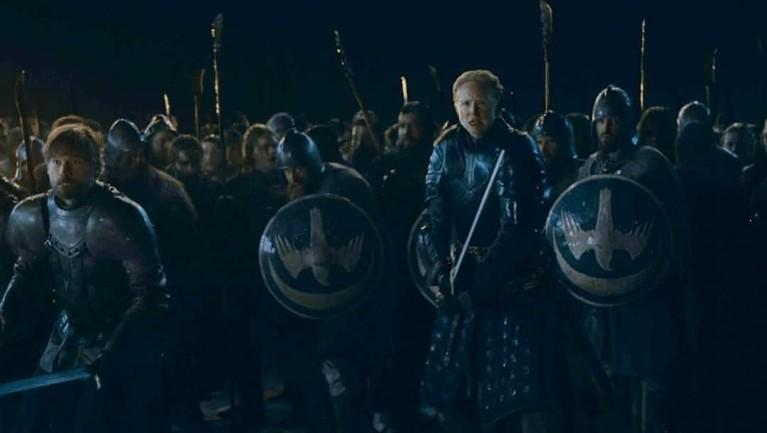 Brianne of Tarth bersama dengan Jamie Lannister meminpin pasukan House Tully untuk melawan pasukan White Walker.