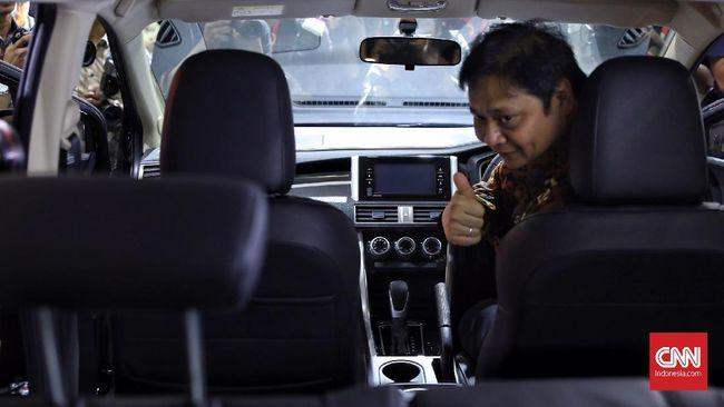 Menteri Perindustrian Airlangga menargetkan dalam lima tahun ke depan ada investasi otomotif baru senilai Rp100 triliun.