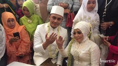 Aura Kebahagiaan Muzdalifah Saat Dipersunting Fadel Islami