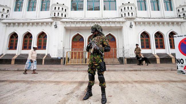 Sebagian umat Muslim di Sri Lanka tak menghadiri salat Jumat karena takut akan aksi balas dendam atas serangan bom pada Hari Paskah lalu yang diklaim oleh ISIS.