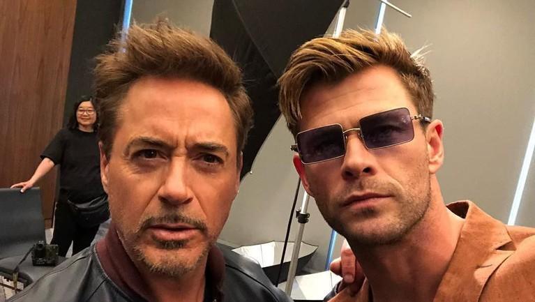 Dua pentolan Avengers yang lebih sering enggak akur ini, ternyata lebih akur diluar MCU nih, Insertizen.
