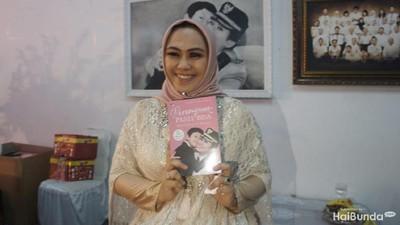 Cerita Bupati Karawang Luncurkan Buku untuk Memotivasi Single Mom
