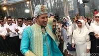 <p>Ammar Zoni resmi menikahi Irish bella pada Minggu (28/4/2019) diPine Hill, Cibodas, Jl. Maribaya Timur Lembang, Cibodas, Bandung Barat, Jawa Barat.(Foto: Hanif Hawari/detikHOT)</p>