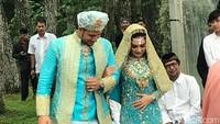 <p>Meskipun sempat mengulang ijab qabul, akhirnya mereka sah menjadi sepasang suami istri. (Foto: Hanif Hawari/detikHOT)</p>