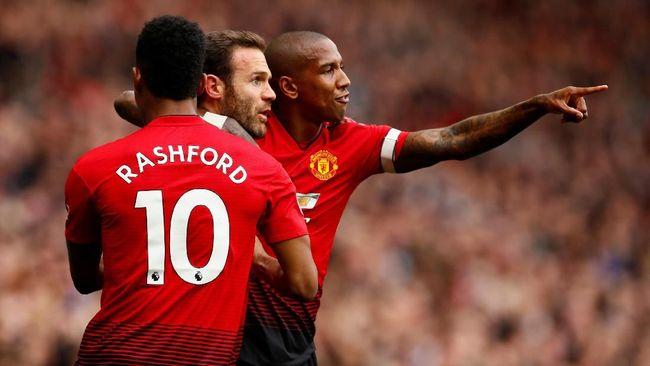 Manchester United terhitung jadi tim terboros di Liga Inggris musim ini dengan menghabiskan setara Rp1,8 miliar untuk satu poin yang mereka dapatkan.