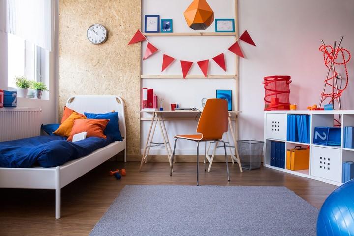 Agar si kecil semakin rajin belajar, Bunda dan Ayah bisa menata kamar tidurnya agar lebih nyaman dan menyenangkan.
