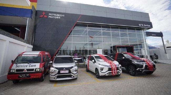 Ada empat dealer Mitsubishi yang bisa dimanfaatkan konsumen Renault antaranya berada di Medan, Pekanbaru, Bekasi, dan Cinere.