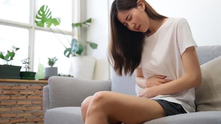 Berikut ini tanda-tanda wanita tidak subur atau mandul yang bisa Bunda ketahui. Salah satunya tidak mengalami menstruasi hingga penurunan gairah seks.