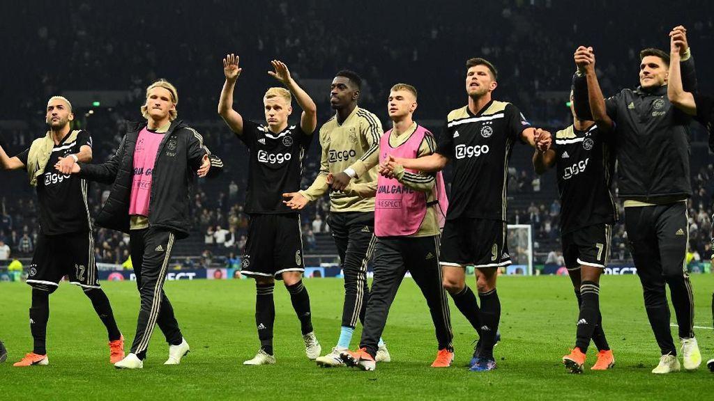 Tuntaskan di Kandang, Ajax!