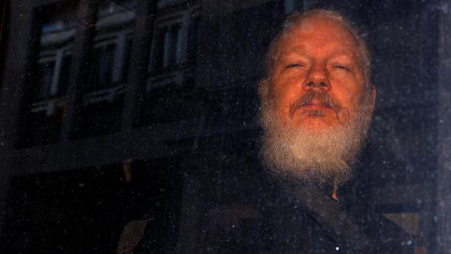 Pendiri Wikileaks, Julian Assange, menolak diekstradisi ke Amerika Serikat untuk disidang dalam perkara konspirasi dan peretasan.