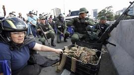 Rezim Maduro Kepung Gedung Parlemen yang Dikuasai Oposisi