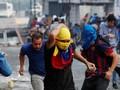 Kepala Tertembak, Demonstran Perempuan di Venezuela Tewas
