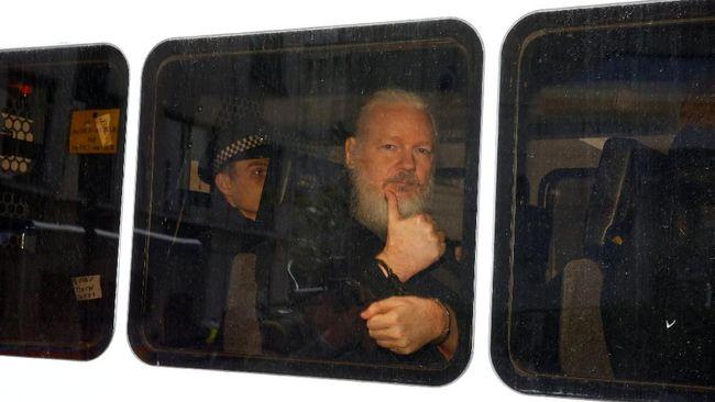 AS menuntut pendiri WikiLeaks, Julian Assange, dengan 17 dakwaan baru terkait spionase karena merilis dokumen militer rahasia pada 2010 lalu.