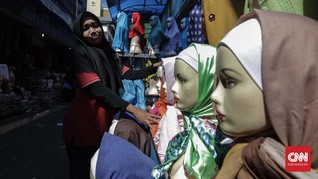 Bima Arya Temukan 6 Ibu-ibu Belanja Baju Lebaran Pakai Bansos