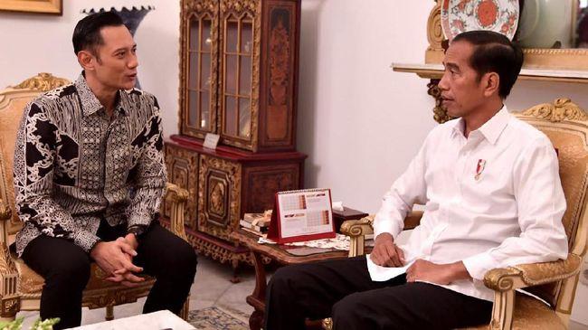 Saat demo menentang hasil rekapitulasi KPU ramai digelar, Presiden Jokowi bakal menerima kedatangan Komandan Kogasma Partai Demokrat AHY di Istana Bogor.
