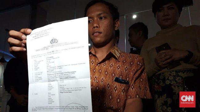 Karyawan Hotel La Lisa Surabaya, Ainur Rofik melaporkan oknum pilot Lion Air, AG ke polisi karena dugaan penganiayaan usai video kekerasan itu viral di medsos.